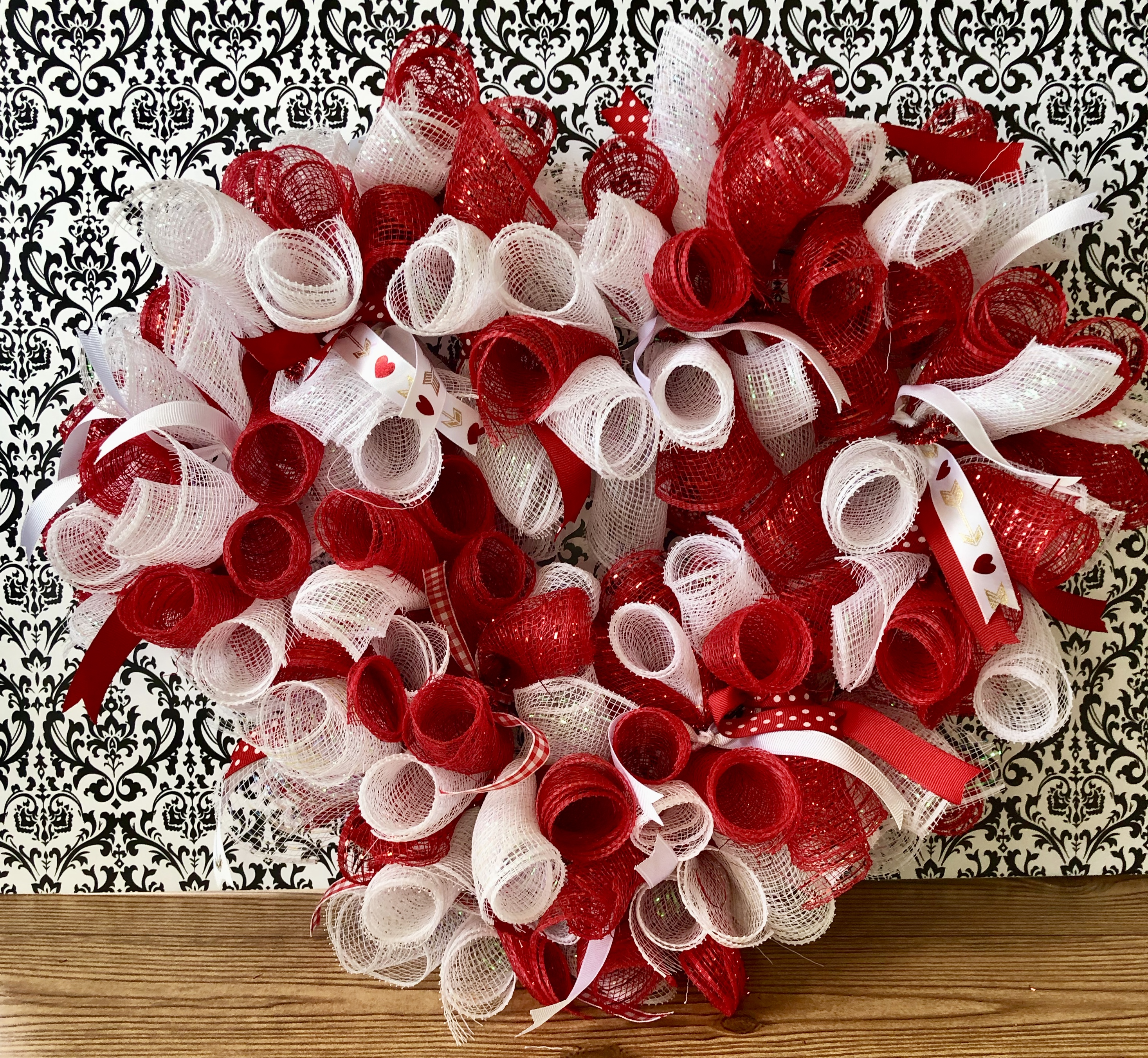 How To Make A Rolled Deco Mesh Wreath